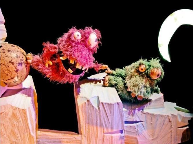 obra-de-teatro-monstruos-en-la-maleta-9930